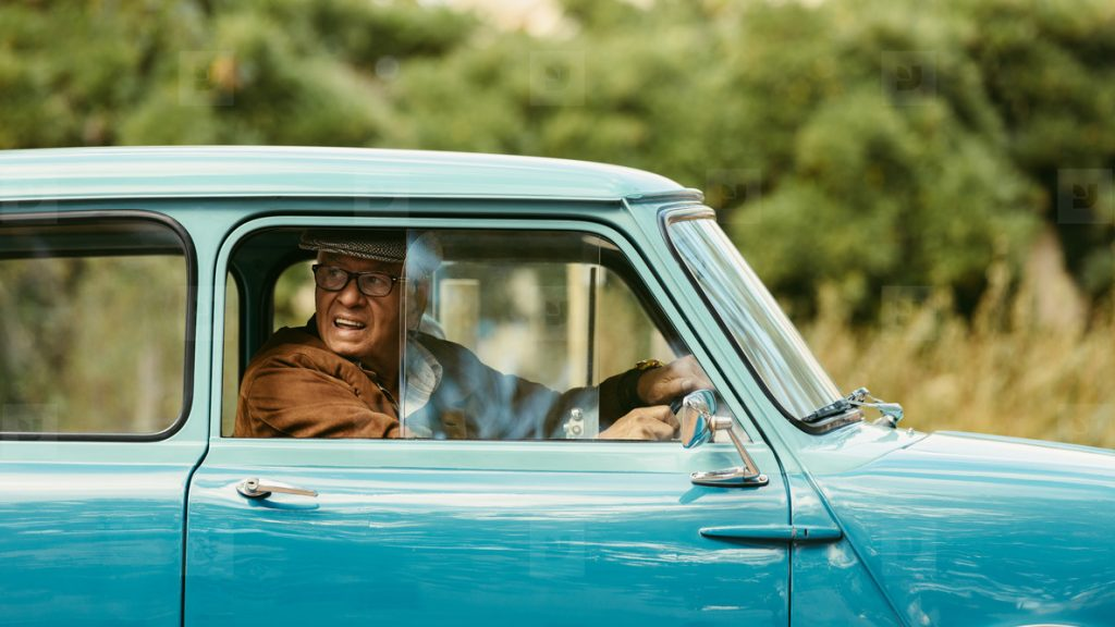 old-man-blue-car